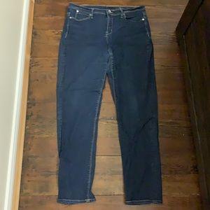 💀3/$25 Calvin Klein dark jeans